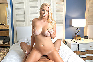 Vanessa Cages Fucks Her Boyfriend In A Hotel  - Sex Position 4