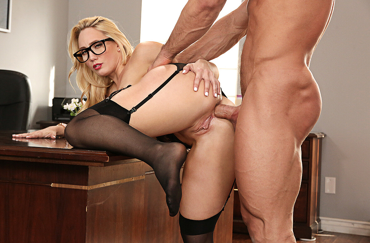Watch AJ Applegate and Johnny Castle 4K video in Naughty Office