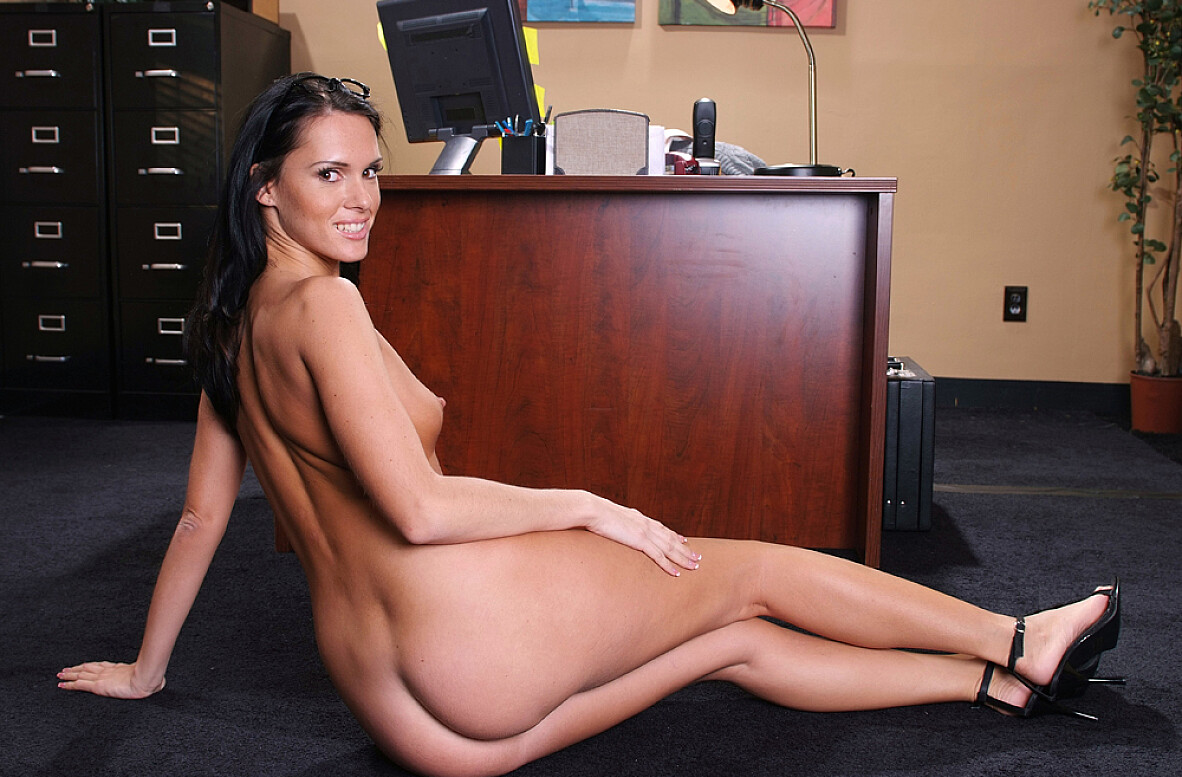 Watch Jennifer Dark and Eric Swiss video in Naughty Office