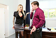 Karma Rx & Kyle Mason in Naughty Office