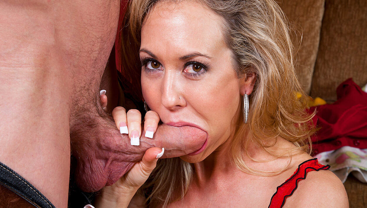 Brandi Love fucking in the living room with her tattoos