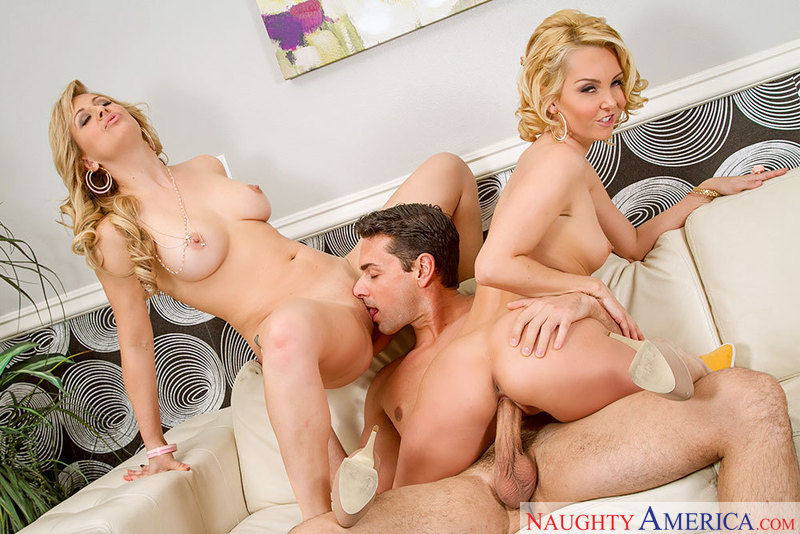 Naughty America Group Porn - ... Aaliyah Love fucking in the couch with her outie pussy - Sex Position 2  ...