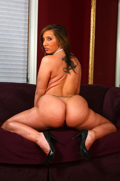 Порно фото актрисы kelly divine