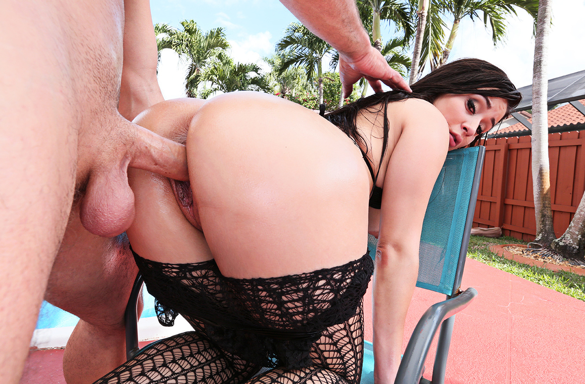 Watch Evie Olson and Sean Lawless 4K video in Ass Masterpiece