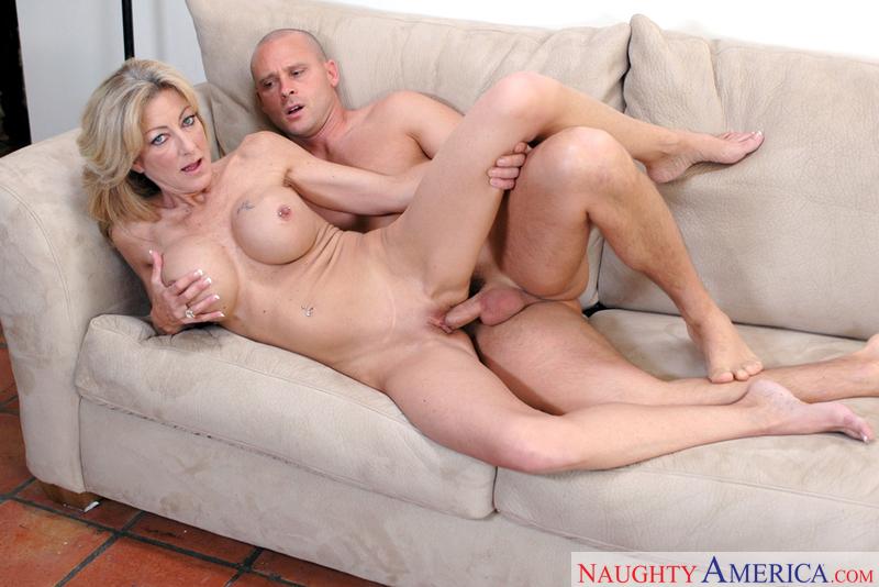 Mom big anal