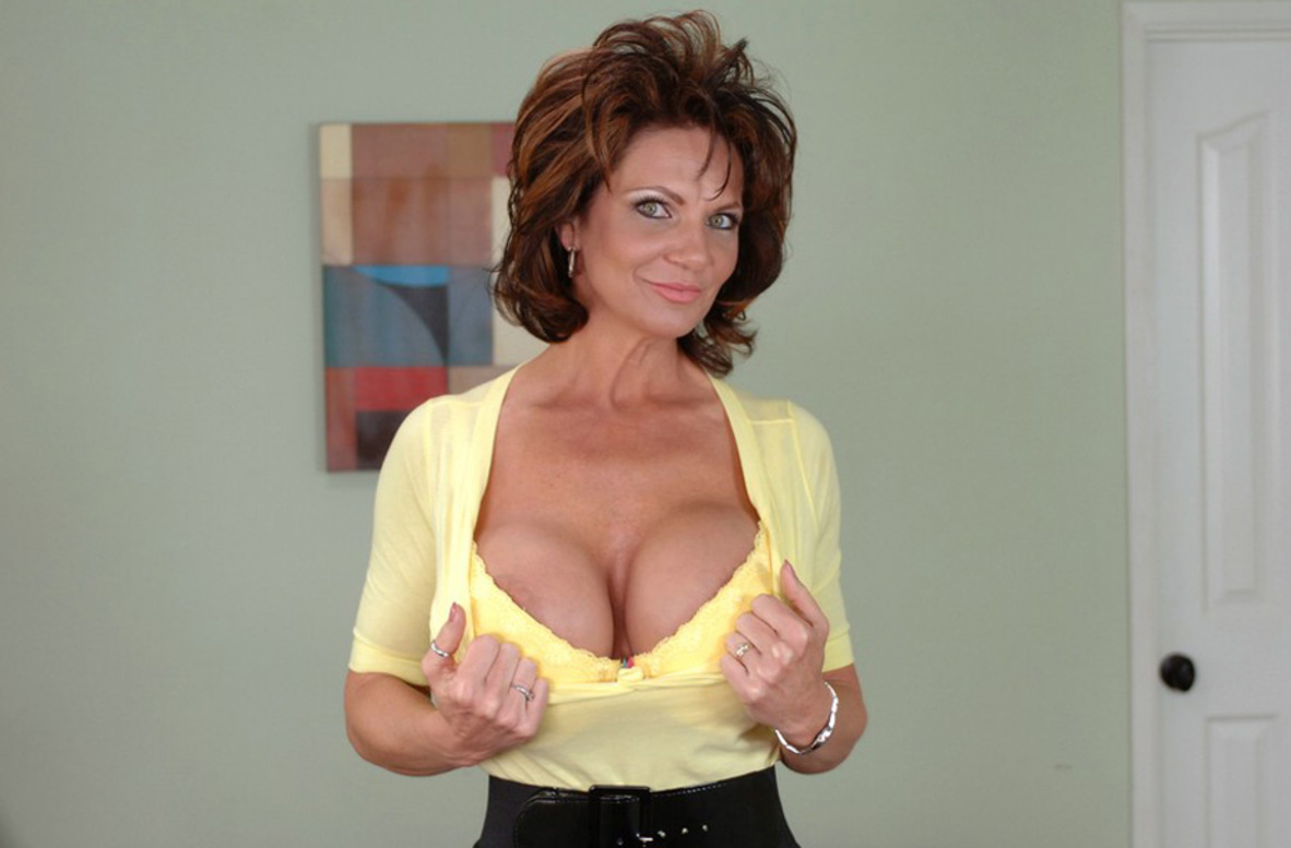 Watch Deauxma and Charles Dera video in Diary of a Milf