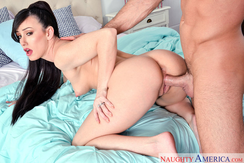 Friend Jennifer White fucking in the bed with her hairy bush - Sex Position 3