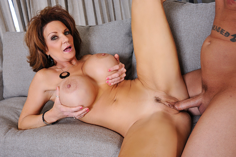 Deauxma fucking in the couch with her big tits
