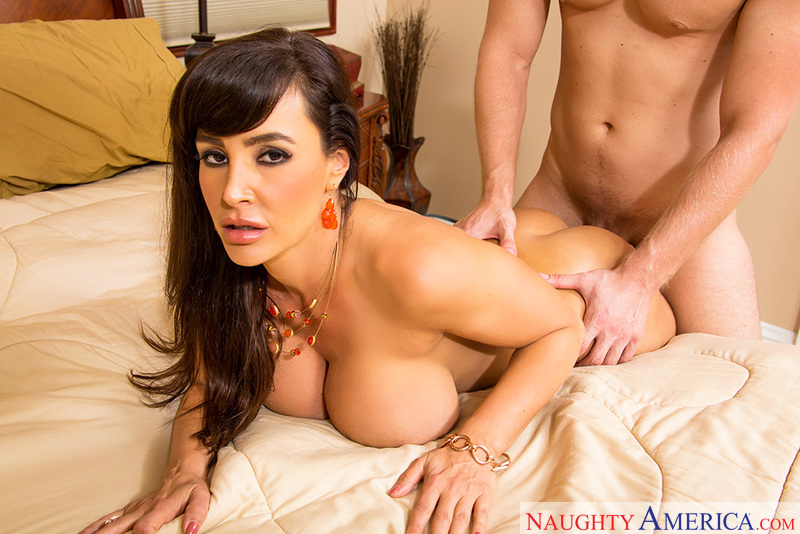 Lisa Ann fucking in the bedroom with her big ass - Sex Position 1