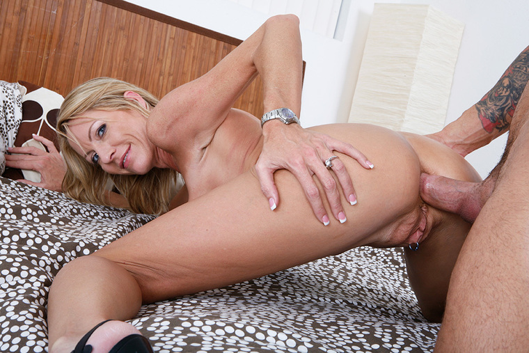 Emma Starr Fucking In The Bed With Her Big Tits-8579