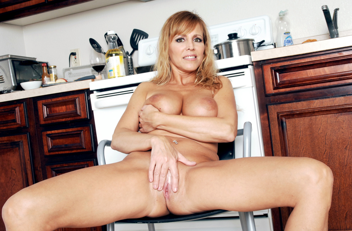 Watch Nicole Moore and Alan Stafford video in My Friend's Hot Mom