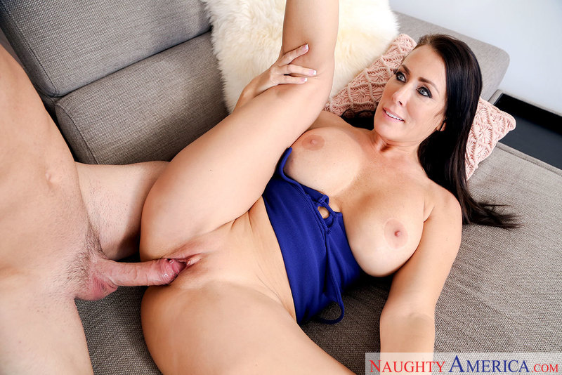 Reagan Foxx fucking in the living room with her big tits - Blowjob