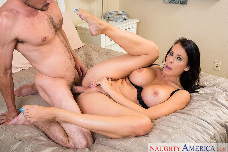 Busty horny Reagan Foxx is a good-natured, good-fucking MILF - Sex Position 3