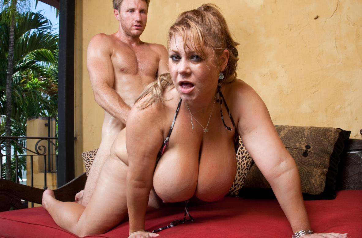 Watch Samantha 38G and Levi Cash video in My Friend's Hot Mom