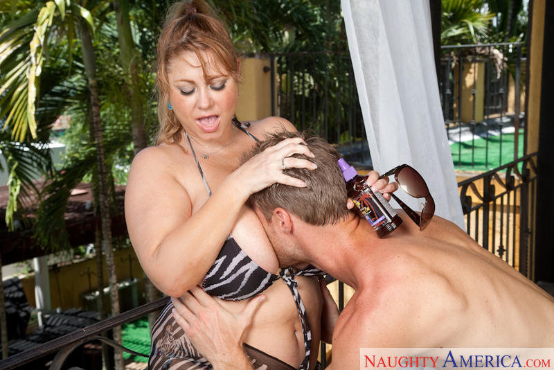 Samantha 38G fucking in the patio with her big tits - Blowjob