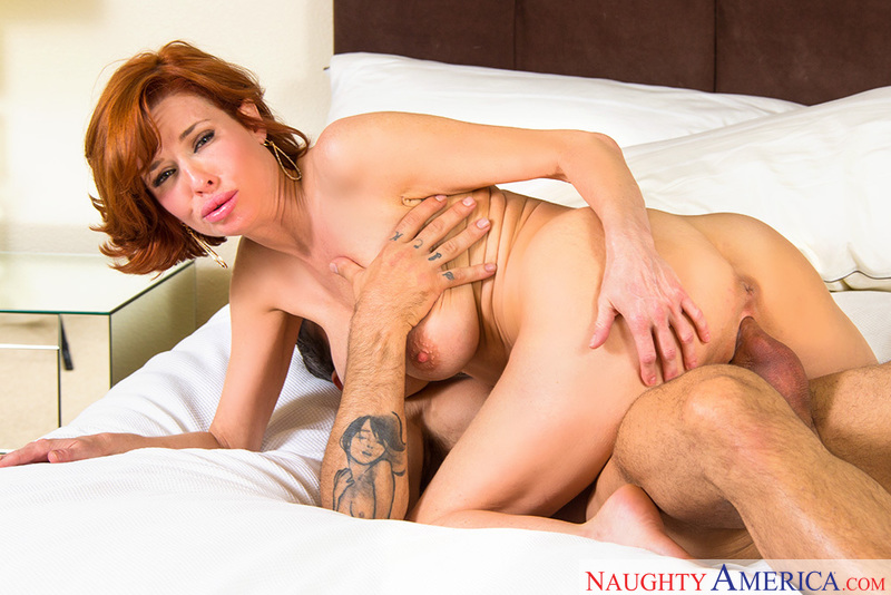 Mature Veronica Avluv fucking in the bedroom with her tits - Sex Position 2