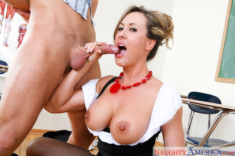 MILF Brandi Love fucking in the floor with her outie pussy - Sex Position 3