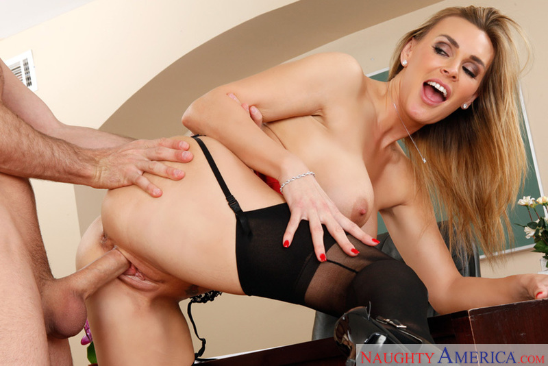 Tanya Tate fucking in the classroom with her piercings - Blowjob