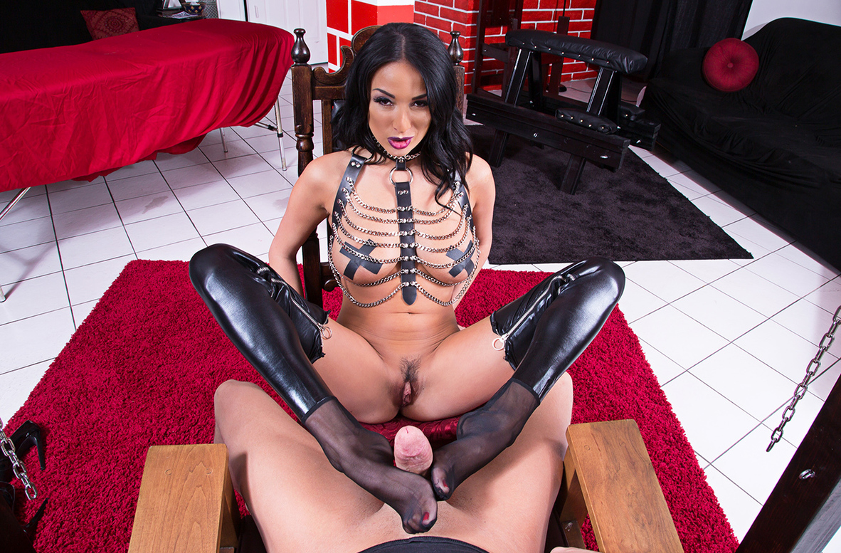 Watch Anissa Kate and Xander Corvus VR video in Naughty America