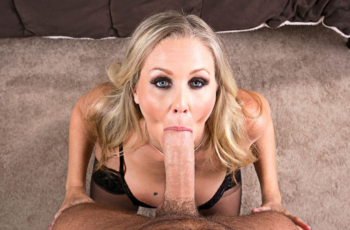 Watch Julia Ann and Chad White VR video in Naughty America
