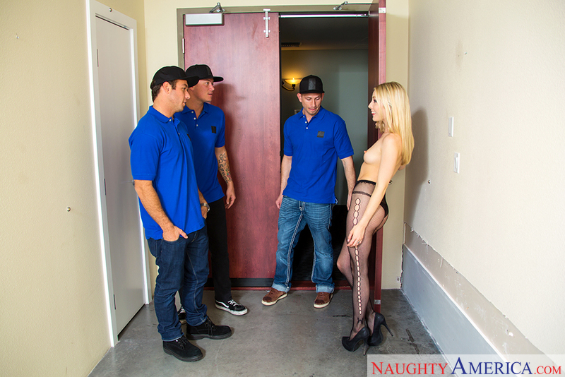 Karla Kush fucking in the hallway with her bubble butt - Sex Position 1
