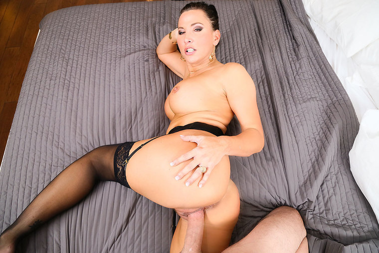 American Lezley Zen fucking in the bed with her tits