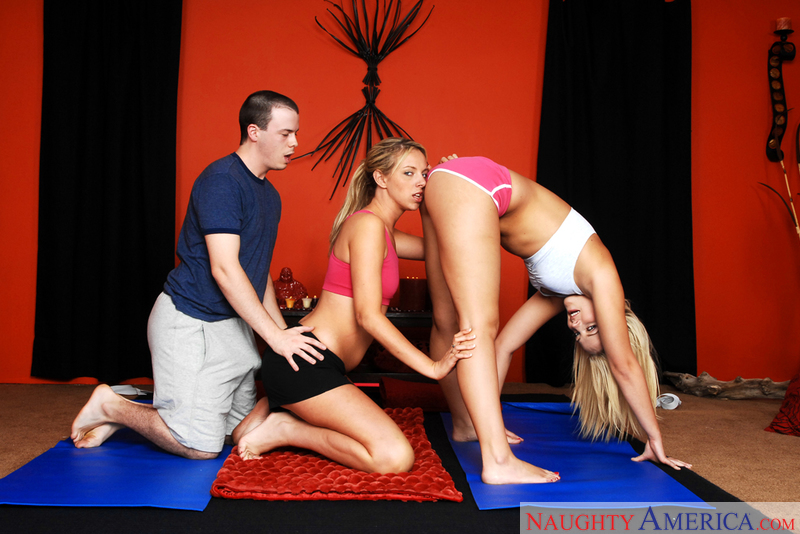 Alexis Texas fucking in the yoga studio with her big ass - Sex Position 1