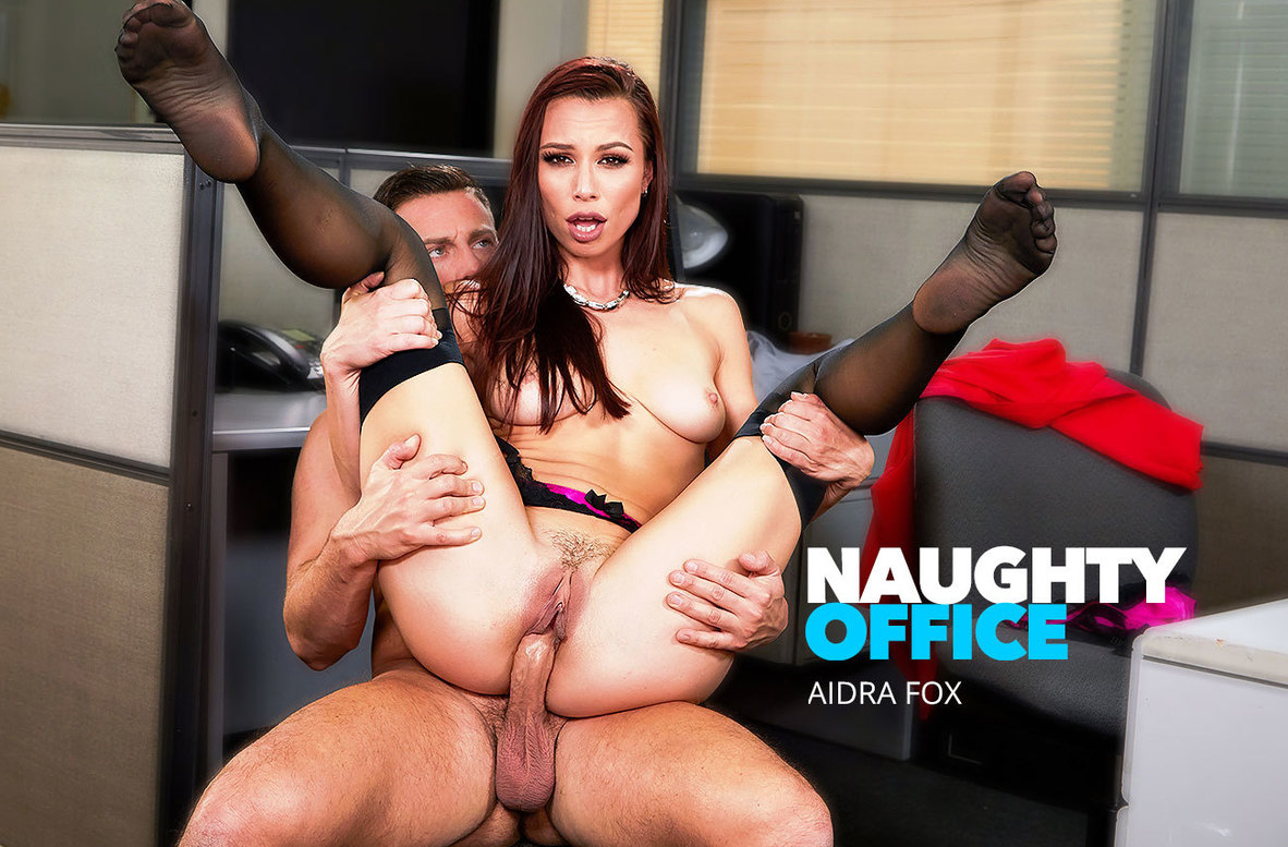 Watch Aidra Fox and Seth Gamble 4K video in Naughty Office