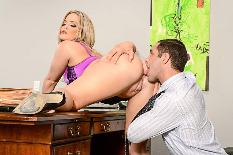 Alexis Texas fucking in the desk with her natural tits