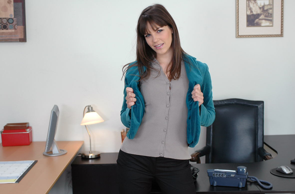 Watch Bobbi Starr and Tony DeSergio video in Naughty Office