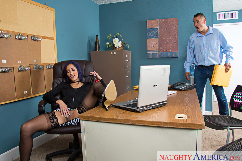 Chloe Amour fucking in the chair with her petite - Sex Position 1