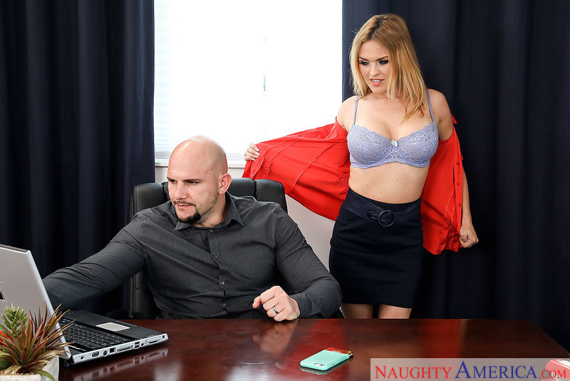 Caucasian Krissy Lynn fucking in the chair with her big tits - Sex Position 1