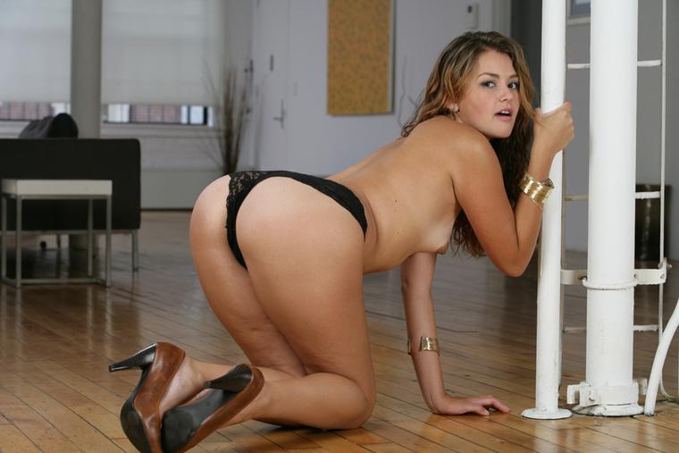 Sexy redhead porn actress