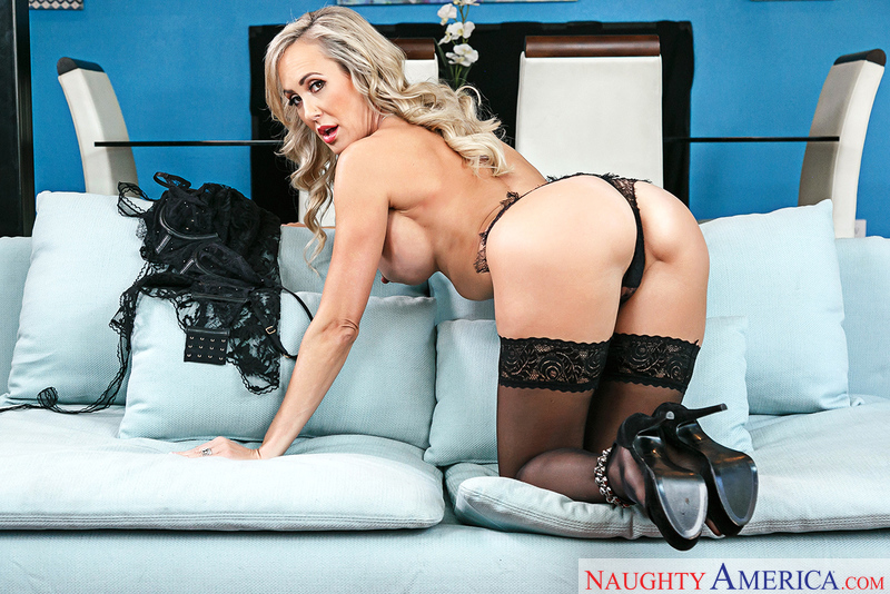 Brandi Love fucking in the couch with her lingerie - Sex Position 1