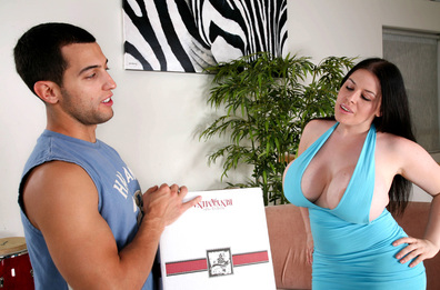 Watch Daphne Rosen and Mikey Butders video in Seduced By A Cougar