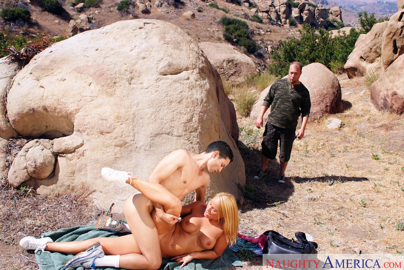 Mellanie Monroe fucking in the outdoors with her big tits - Sex Position 1